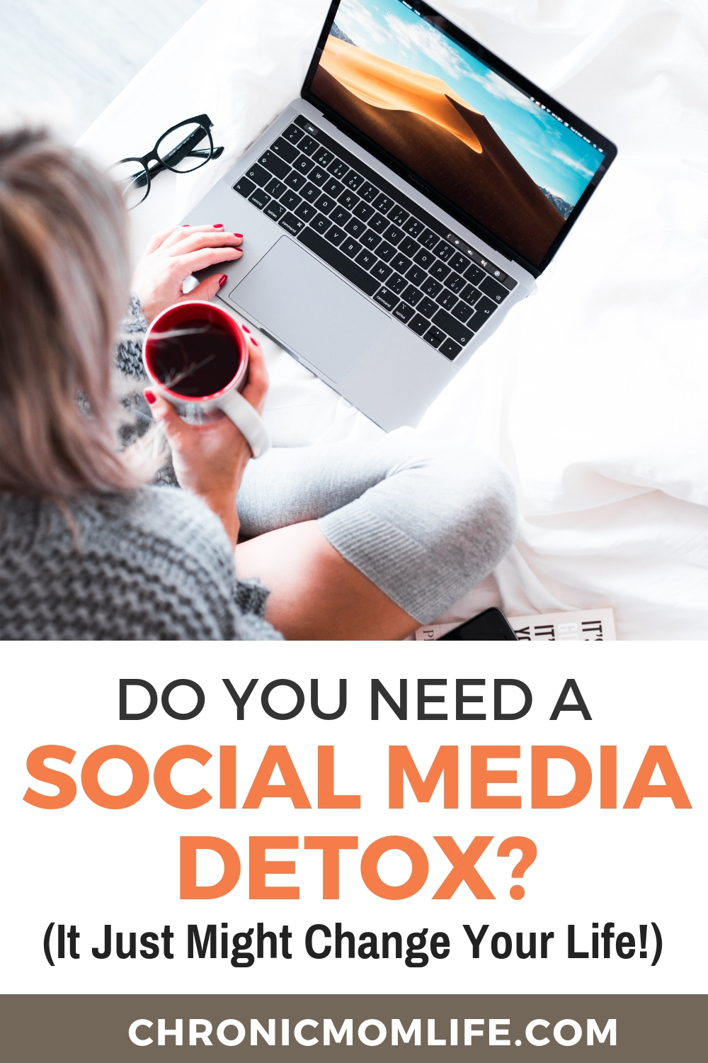 Do you need a social media detox? Reducing online stress just might change your life! #selfcare #selflove